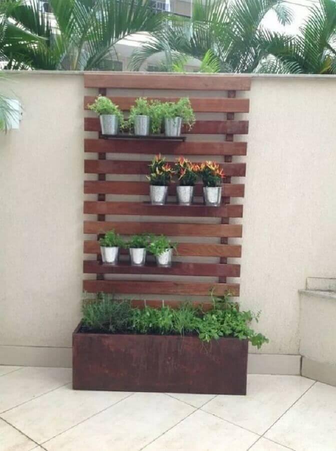 tipos de treliças de madeira com espaço para vasos de plantas Foto Contemporary Home Designs
