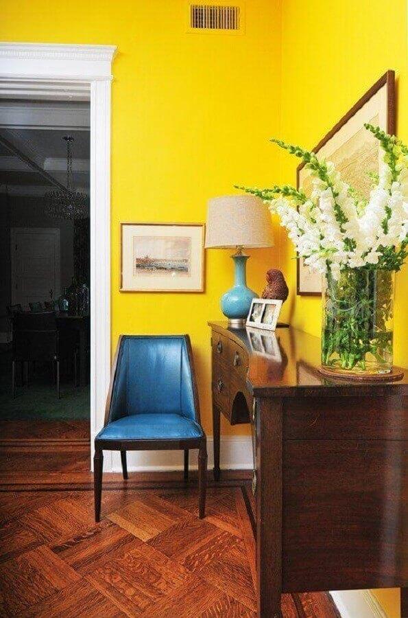 tons de amarelo para parede interna Foto Apartment Therapy