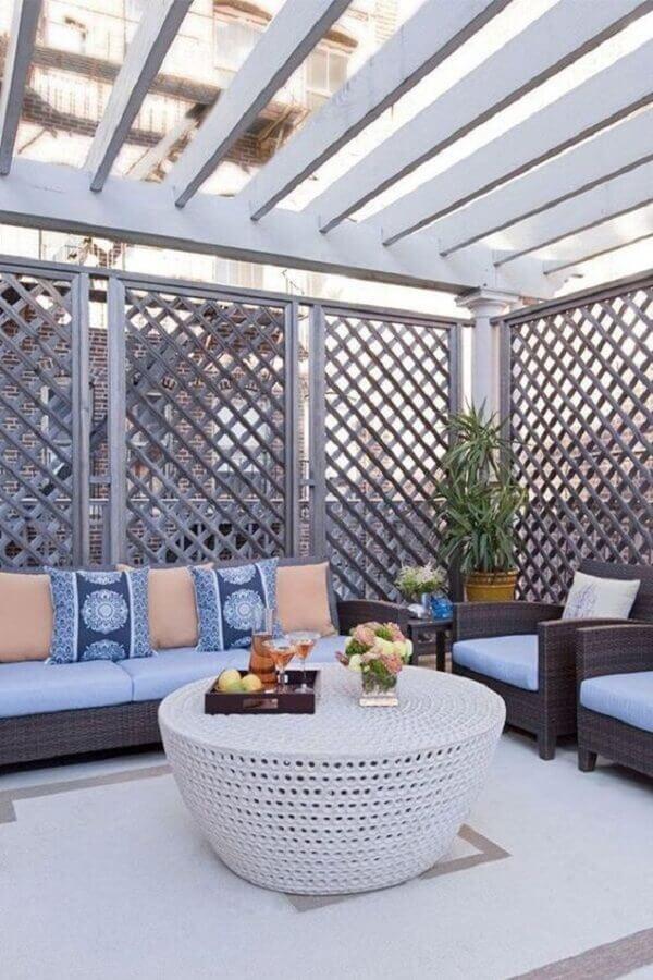 treliça de madeira para divisória de varanda Foto Kiss Home