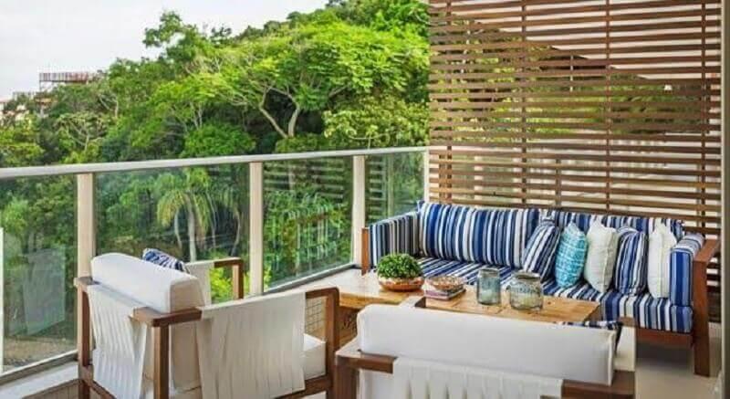 treliça de madeira para divisória em varanda gourmet Foto Aqui-Glamour