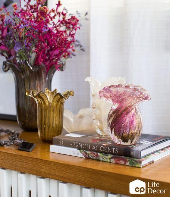 Vaso murano no aparador de casa