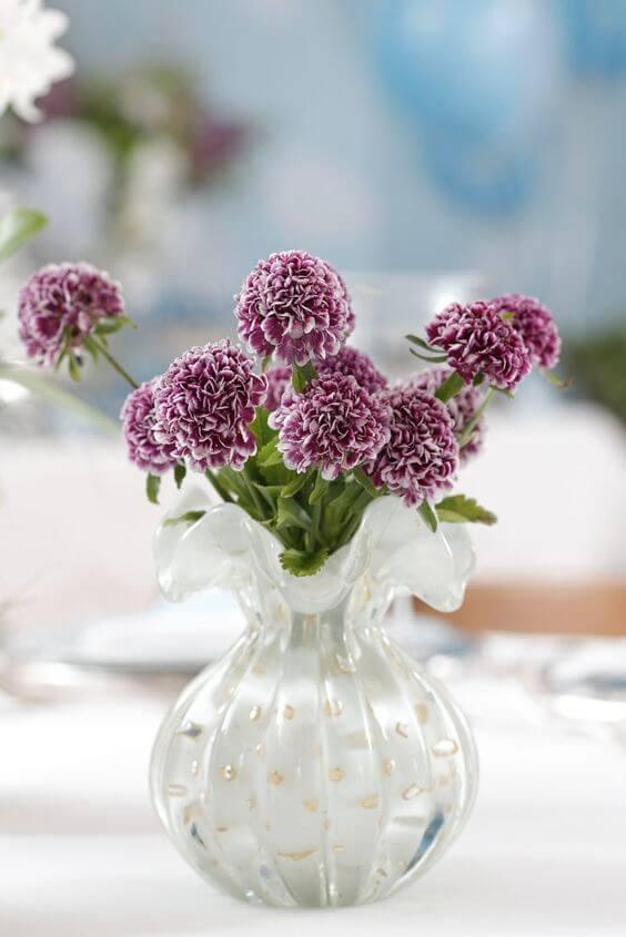Vaso murano com branco e flores roxa