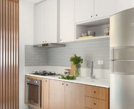 armário de cozinha planejada branco e de madeira Foto Pinterest