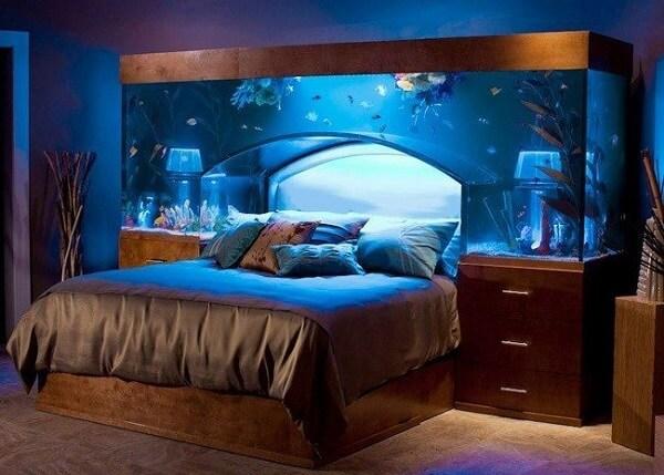 A decoração do quarto pode receber um toque especial com a presença de plantas para aquário