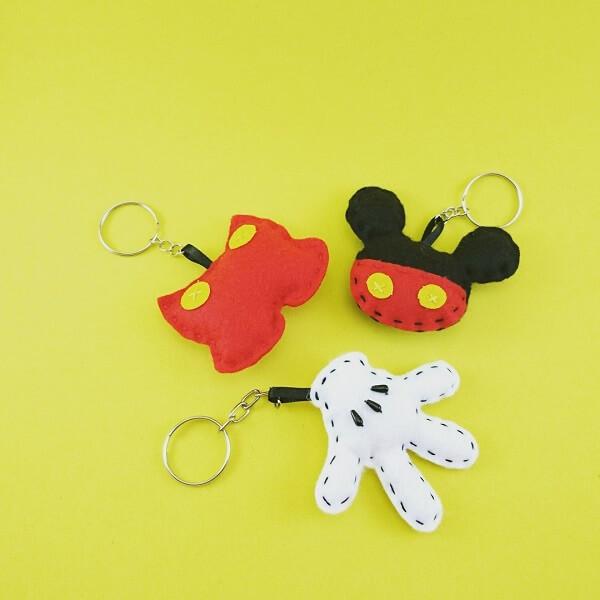 A festa do Mickey pode ficar ainda mais divertida com chaveiros de feltro