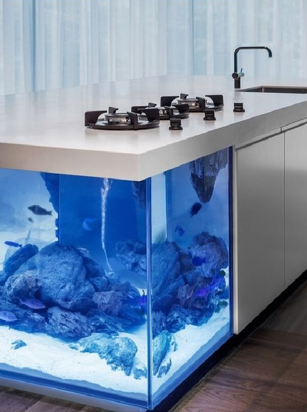 Aquários modernos podem ter sua estrutura embutida no armário