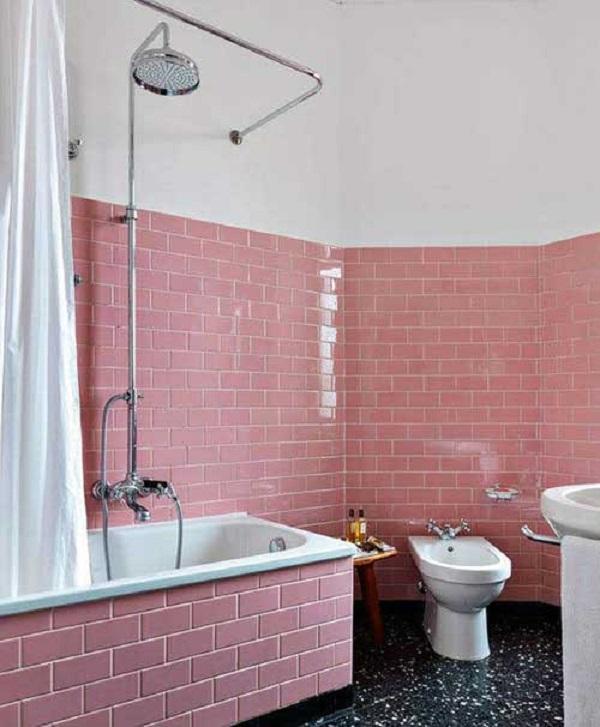 Banheiro rosa revestimento piso preto
