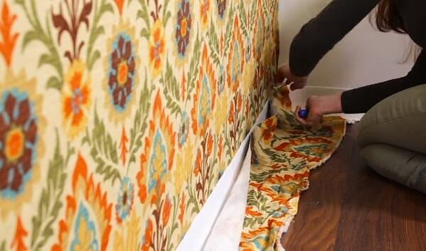 Como colar tecido na parede estilete