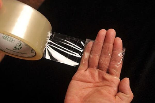 Como tirar pelo de roupa fita adesiva