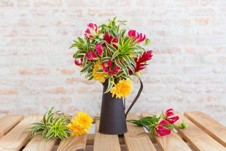 Flores tropicais arranjos capa (1)
