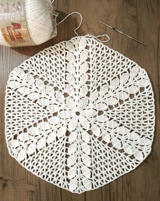 Guardanapo de crochê branco simples