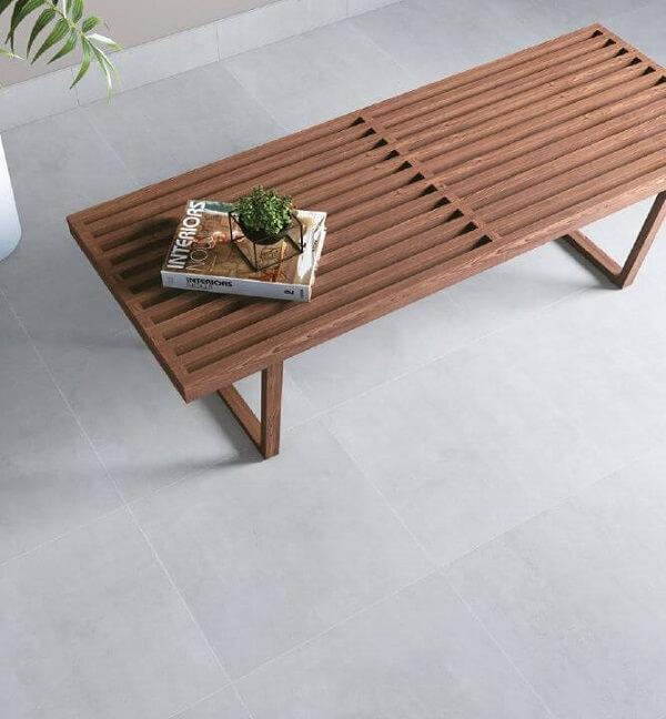 Modelo de cerâmica em tom cinza claro