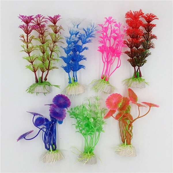Modelos de plantas artificiais para aquário