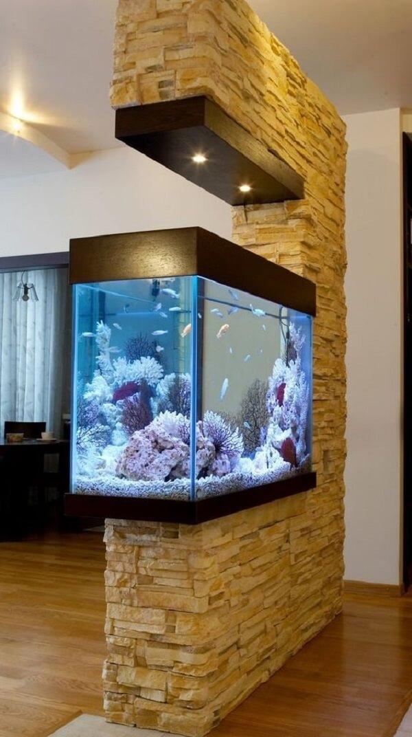 O aquário pode dividir ambientes da casa