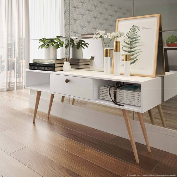 Rack retro branca com parede de espelho