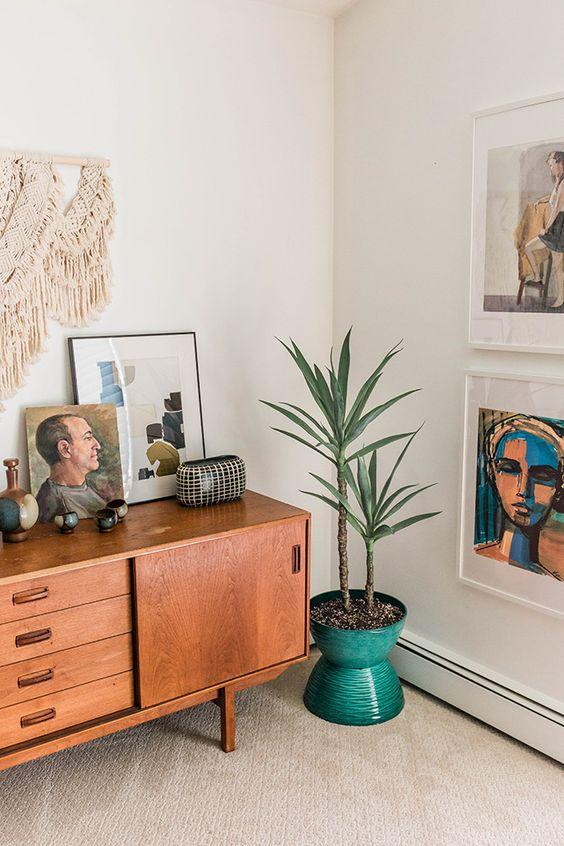 Rack retro de madeira para sala de estar