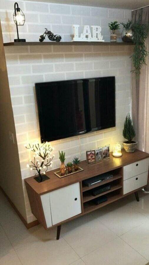 Rack retro pequena para sala de estar decorada