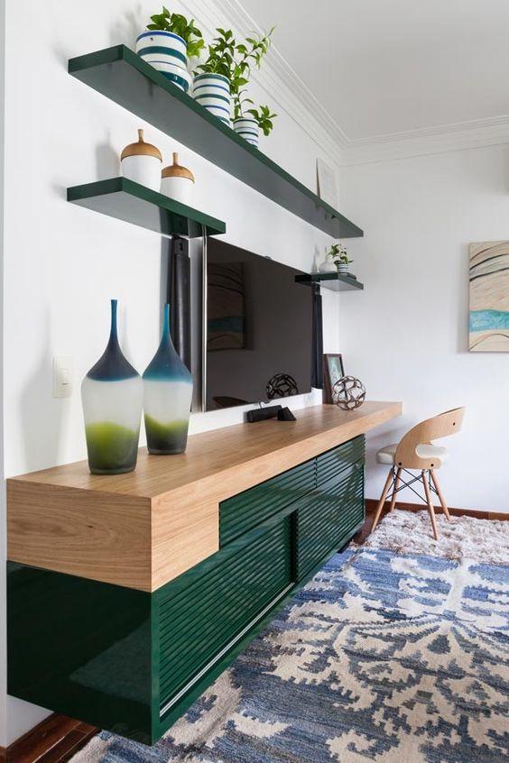Sala com rack retro verde