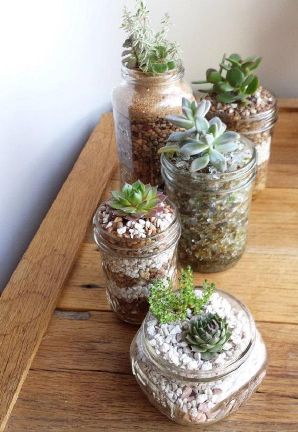 Separe diferentes recipientes para compor a decoração