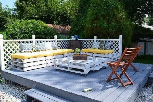 Terraço decorado de forma simples e barata