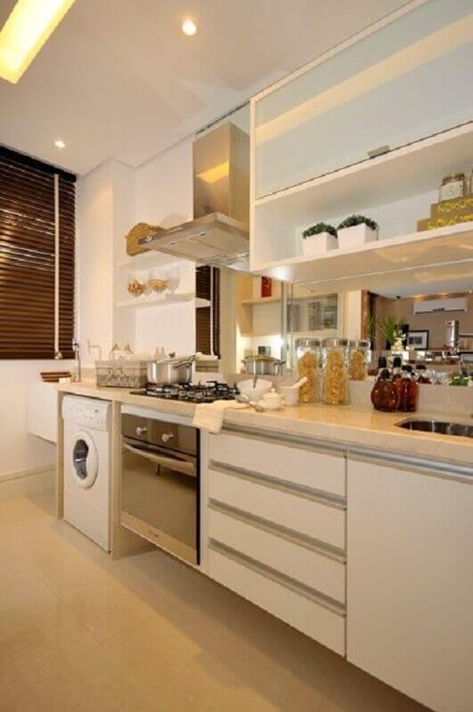apartamento com cozinha planejada com lavanderia Foto Pinterest