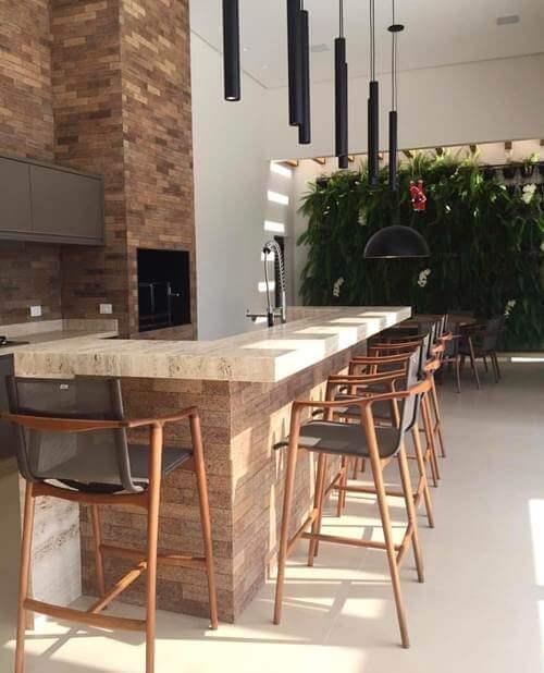 Área externa com cozinha e churrasqueira