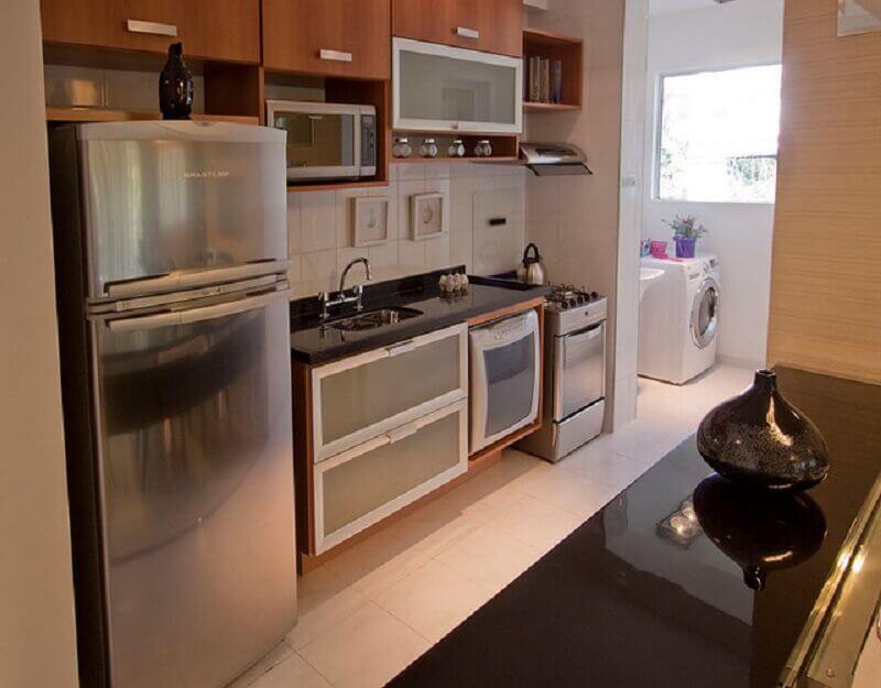 armários modulados para cozinha com lavanderia pequena Foto Pinterest