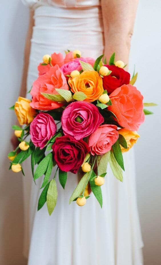 Buque de noiva colorido com flores de papel de seda