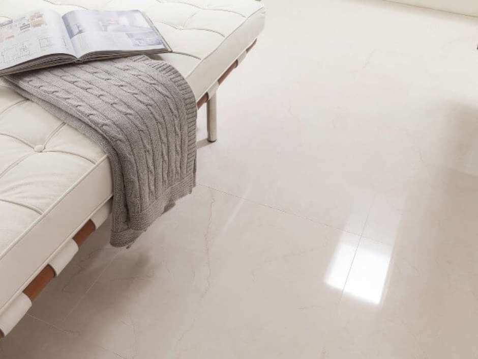 Cerâmica para sala e quarto em tom branco
