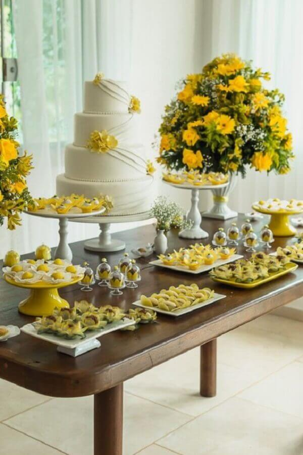 color combination for simple wedding in white and yellow Photo Weddings