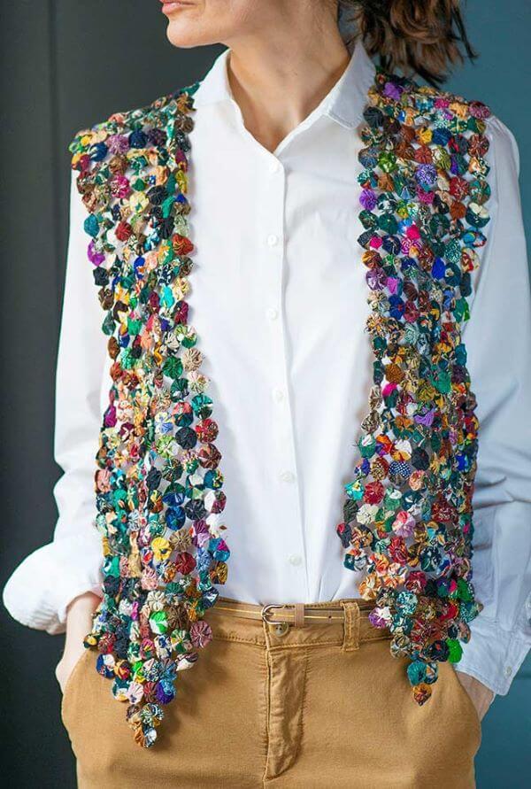 Como fazer fuxico para decorar suas roupas