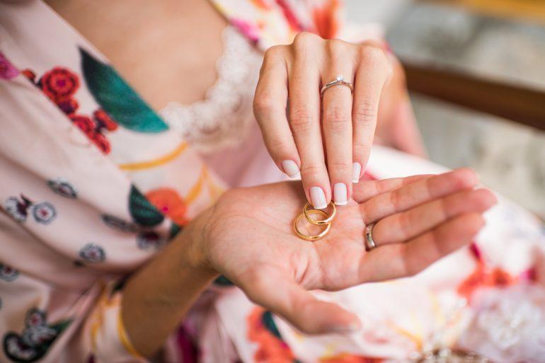 como-limpar-ouro-pulseira-corrente-alianca