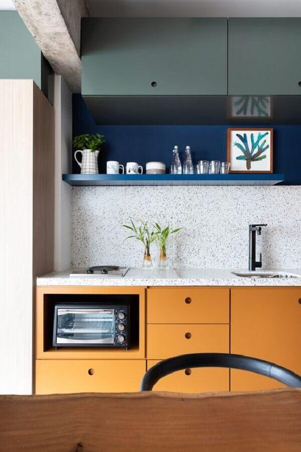 cor mostarda para decoração de cozinha planejada Foto Home Designing