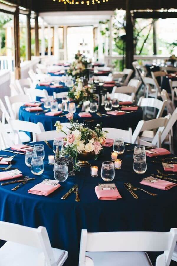 wedding decoration colors blue and pink Photo Rock My Wedding