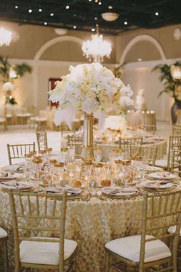 cores para casamento branco e dourado Foto Pinterest