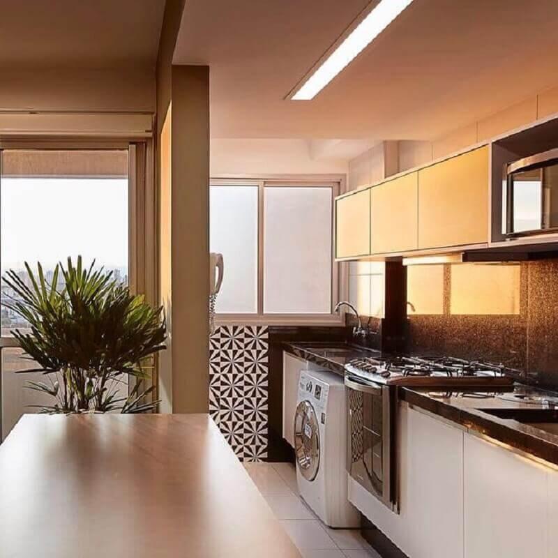 cozinha de apartamento pequeno com lavanderia Foto Fabrica Arquitetura