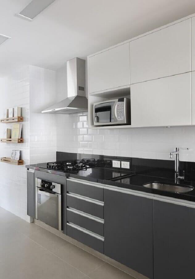cozinha planejada preta e branca Foto Casa & Decor