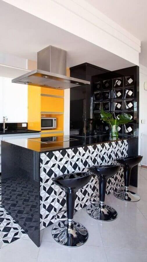 cozinha preta e amarela Foto Decorando com Brilho