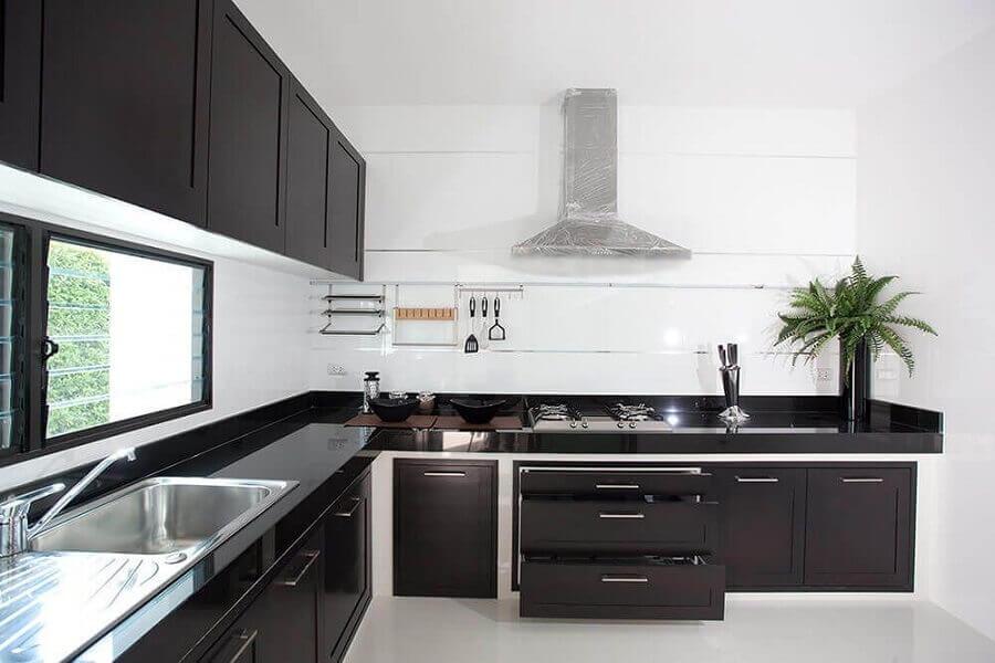 cozinha preta e branca planejada ampla Foto Pinterest