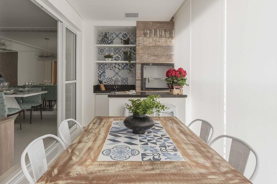 decoração clean para área gourmet pequena de apartamento com churrasqueira Foto Pinterest