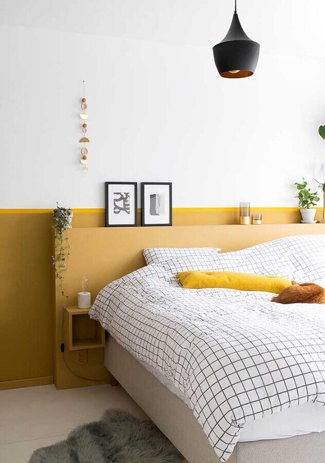 decoração clean para quarto na cor mostarda Foto Home Designing