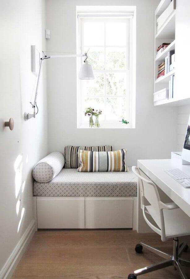 decoração clean quarto pequeno com home office Foto HomeYdeas