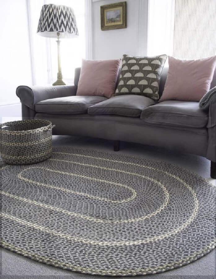 decoração com tapete de crochê para sala cinza Foto Pinterest