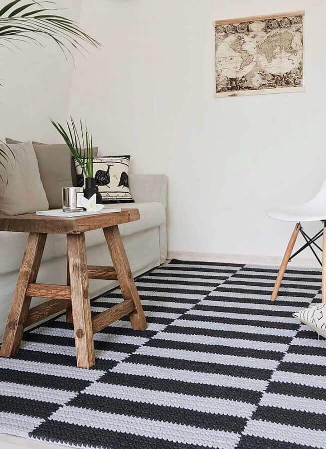decoração com tapete de crochê para sala preto e branco Foto Decoração de Casa