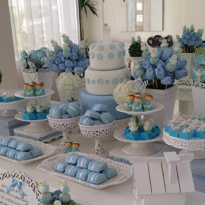 Blue and white christening decoration Foto Pinterest