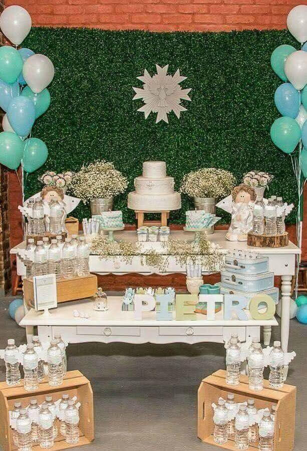 decoration of christening with balloons and wooden crate Photo Making Dreams Come True