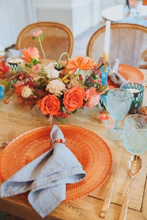 wedding decoration with orange details Photo Save the Bride