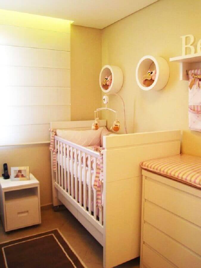 decoração de quarto de bebê amarelo com nichos redondos Foto Pinterest