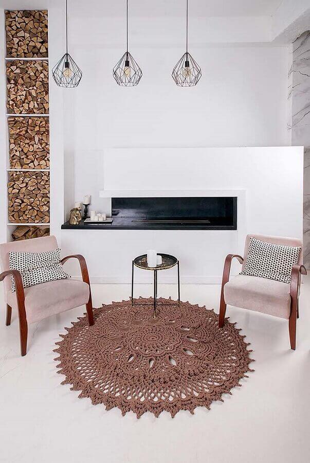 decoração minimalista com tapete de crochê para sala toda branca Foto Blog Palavra Feminina