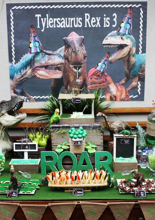 modern dinosaur birthday party decoration Photo Karas Party Ideas